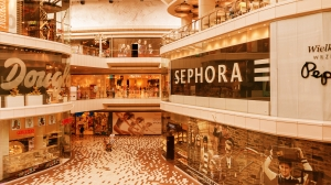 shopping-mall-906721_1920